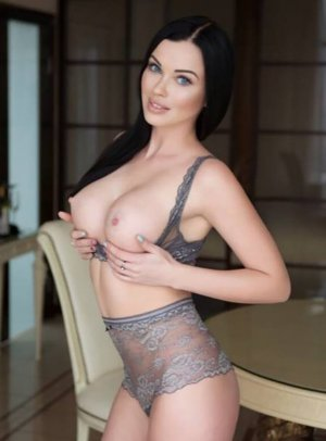 Channelle incall escort in Amsterdam
